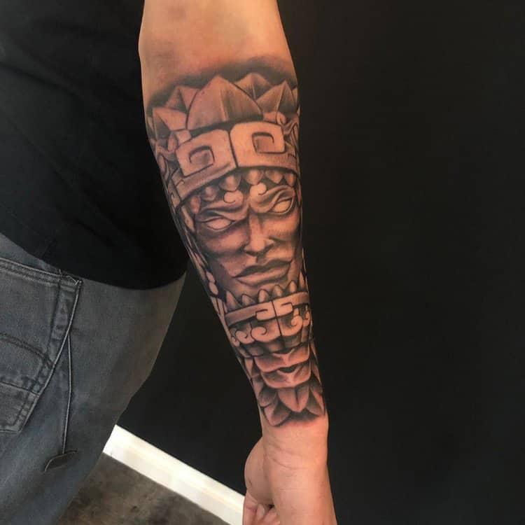 Aztec realisme tattoo