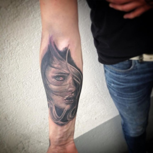 Custom made portret tattoo