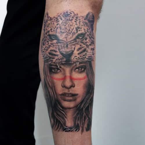 Custom made tattoo portret met kleuraccent en panter