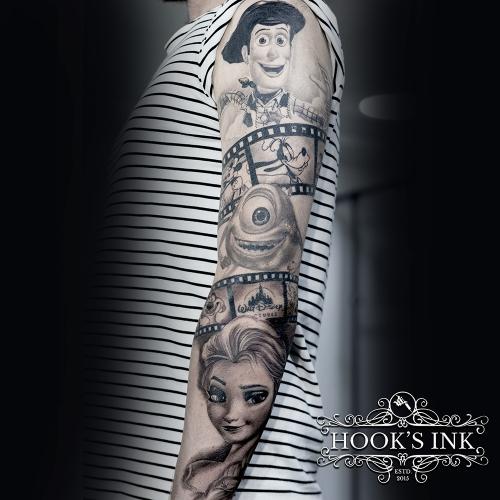 Buitenkant arm van een Disney tattoo sleeve