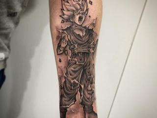 Gohan Dragon Ball Z tattoo op de onderarm