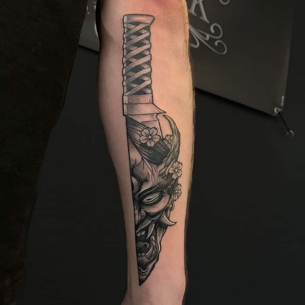 Japanse tattoo duivelsmasker in mes