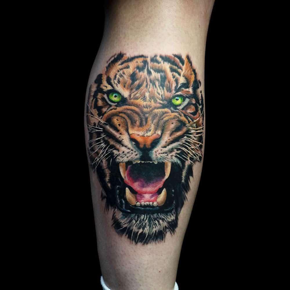 Full color tattoo realistische kleuren tatoeage tijger