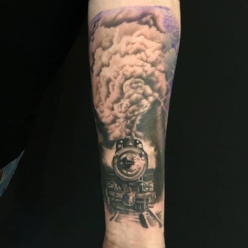 Stoomlocomotief tattoo