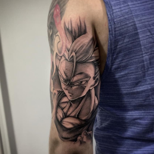 Trunks Dragon Ball Z tattoo bovenarm