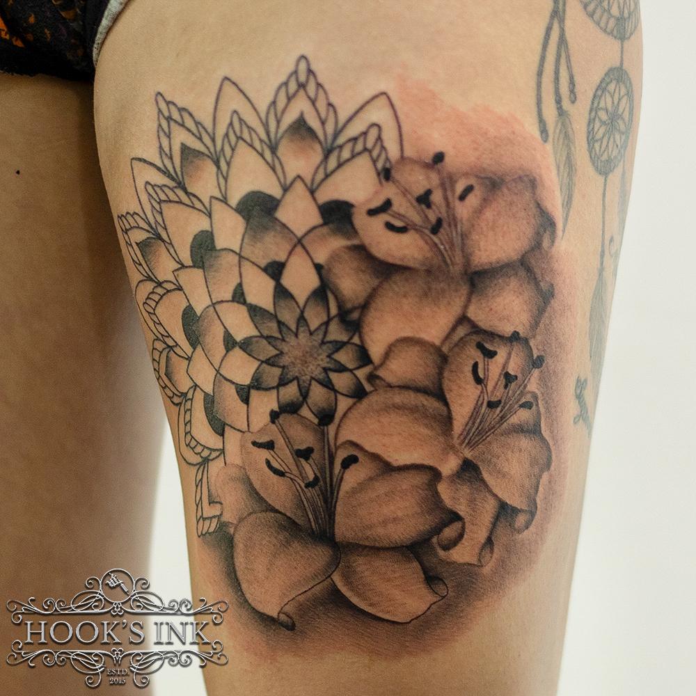 Mandala bloemen tattoo