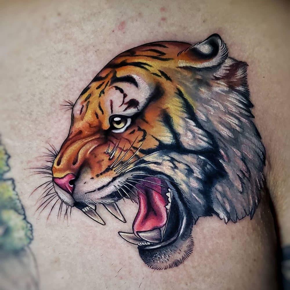 Kleuren tattoo van tijger neo traditional style Molly