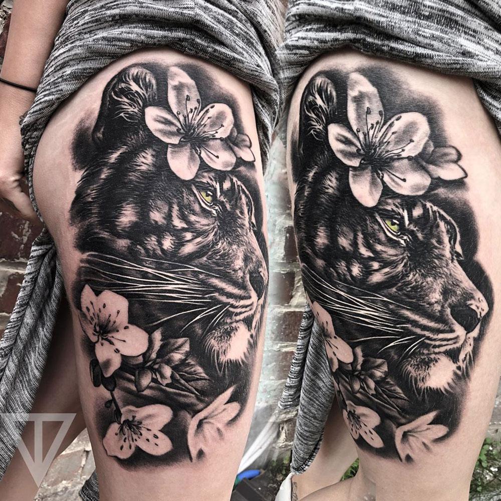 Leeuwin blackwork tattoo Roman Vainer