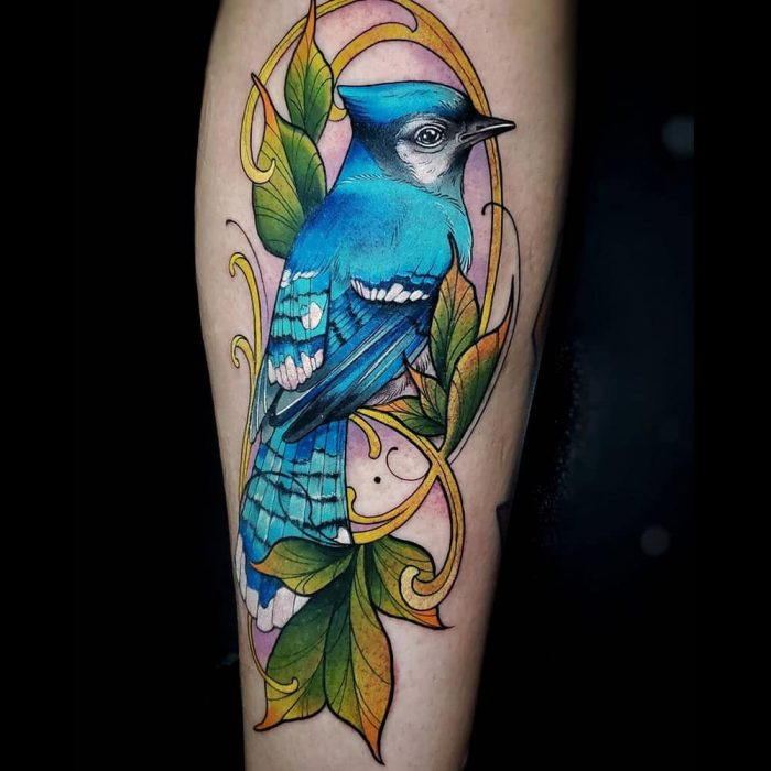 Neo traditional kleuren tattoo vogel Molly