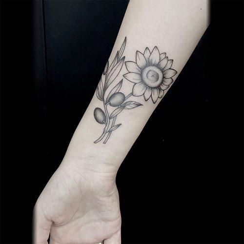 Zonnebloem tattoo Danique